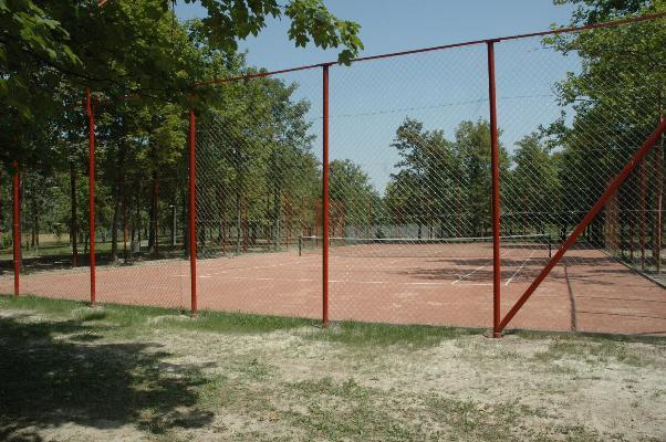 tenisz_gyogyfurdo_csuszdapark_elmenyfurdo_gyogyviz_strand.jpg